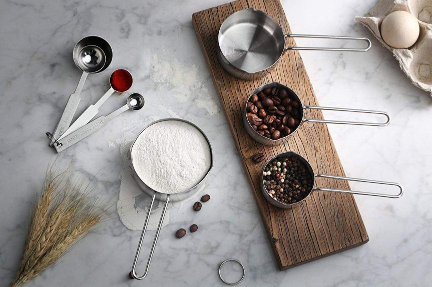 How do you measure wet vs. dry ingredients? (VolumeMethod)