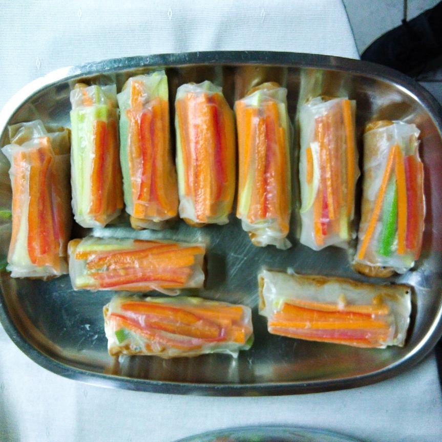 Veggie Spring Rolls w/Spicy Peanut DippingSauce